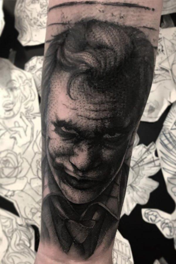 ciernobiele_tetovanie_predlaktie_5