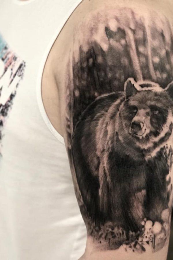ciernobiele_tetovanie_rameno